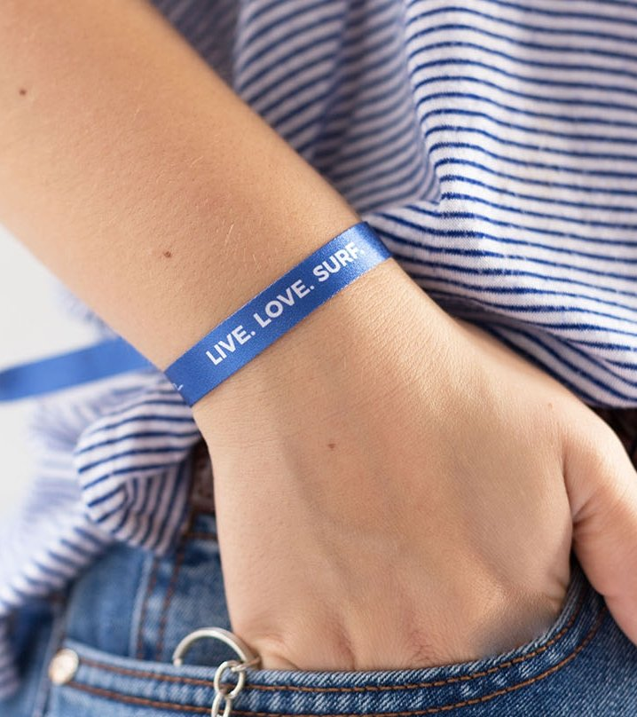 "Pulsera ""Live, love, surf"""